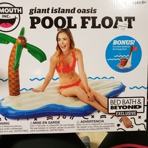 Other - Giant Island Oasis Pool Float